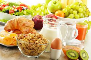 gesundes Frühstück mit Müsli